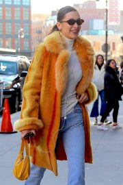 Bella Hadid Out in New York 2018/12/29 1