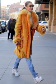 Bella Hadid Out in New York 2018/12/29 4