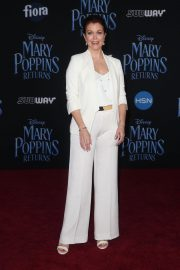 Bellamy Young at Mary Poppins Returns Premiere in Los Angeles 2018/11/29 6