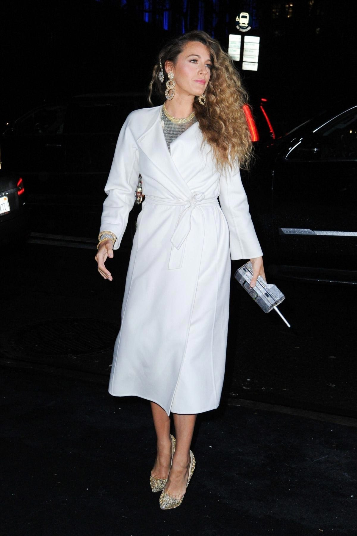 Blake Lively Arrives at Versace Fashion Show in New York 2018/12/02 1