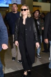 Brie Larson at Guarulhos Airport in Sao Paulo 2018/12/07 4