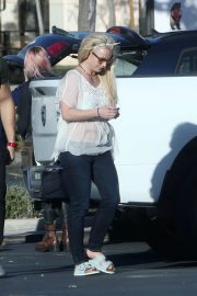 Britney Spears and Sam Asghari Out in Calabasas 2018/12/08 5