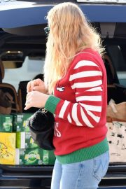 Busy Philipps on Christmas Shopping in Los Angeles 2018/12/24 8