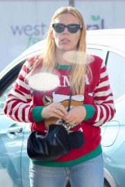 Busy Philipps on Christmas Shopping in Los Angeles 2018/12/24 9