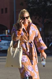 Busy Philipps Out in Los Angeles 2018/12/27 4