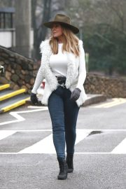 Carol Vorderman Leaves BBC Studio in Cardiff 2018/12/24 1