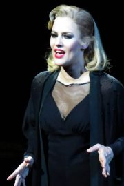 Caroline Flack Performs in Chicago Musical at Phoenix Theatre in London 2018/12/10 6