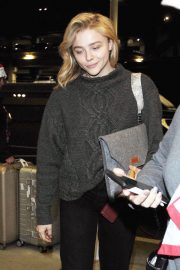 Chloe Moretz Arrives at Los Angeles International Airport 2018/12/15 6