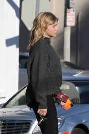 Chloe Moretz Out and About in Los Angeles 2018/12/15 7