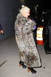 Christina Aguilera Leaves New Year Eve Rehearsal in New York 2018/12/30 9
