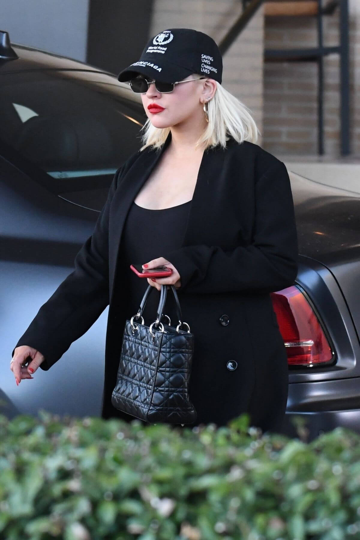 Christina Aguilera Out Shopping in Beverly Hills 2018/12/08 1