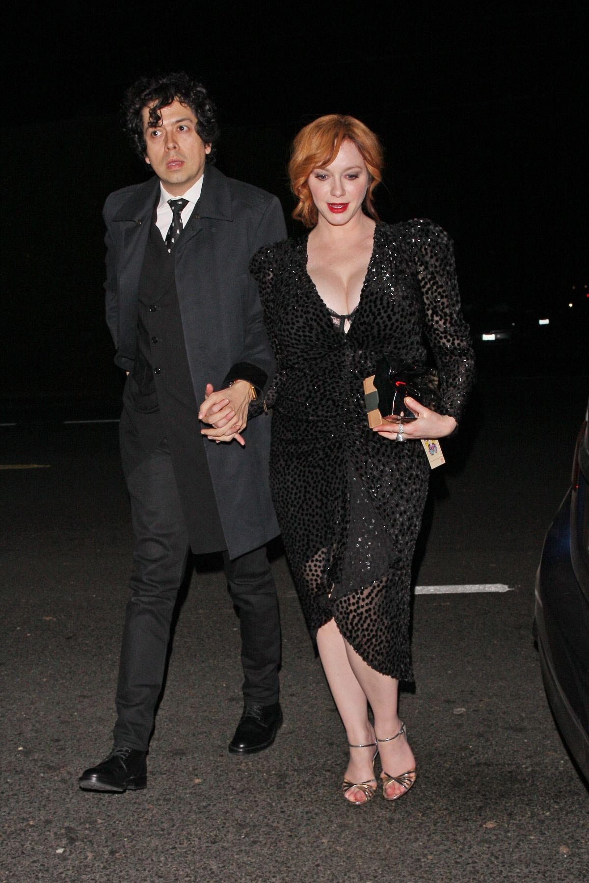 Christina Hendricks Leaves Jennifer Klein's Holiday Party in Los Angeles 2018/12/02 1