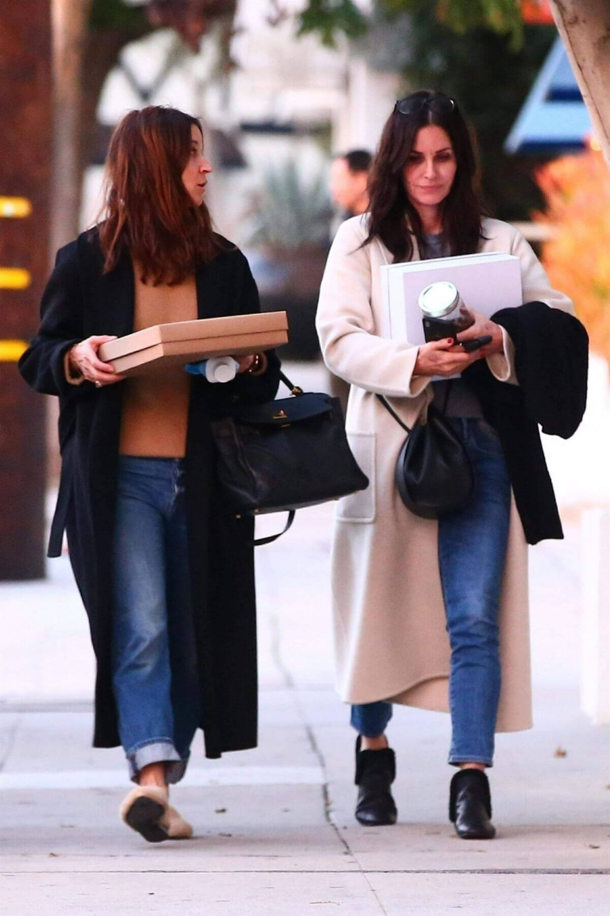 Courteney Cox Out Shopping in West Hollywood 2018/12/26 1