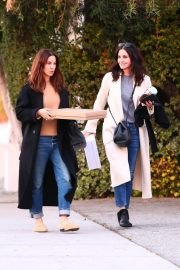 Courteney Cox Out Shopping in West Hollywood 2018/12/26 3