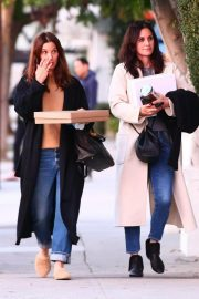 Courteney Cox Out Shopping in West Hollywood 2018/12/26 5