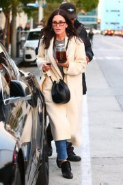 Courteney Cox Out Shopping in West Hollywood 2018/12/26 7