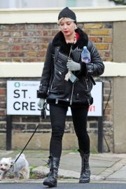 Daisy Lowe Out with Her Dog in London 2018/12/11 5