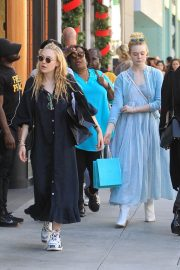 Dakota and Elle Fanning Shopping on Rodeo Drive in Beverly Hills 2018/12/26 10