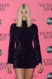 Devon Windsor at Victoria's Secret Viewing Party in New York 2018/12/02 3
