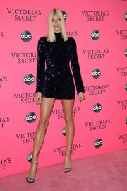 Devon Windsor at Victoria's Secret Viewing Party in New York 2018/12/02 6