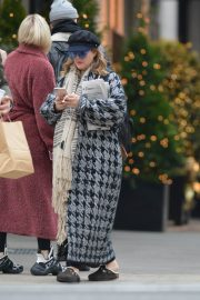 Drew Barrymore Out in New York 2018/12/09 5