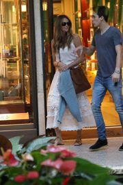 Elle Macpherson Out Shopping in Bal Harbour 2018/12/24 1
