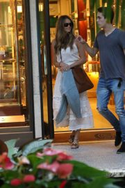 Elle Macpherson Out Shopping in Bal Harbour 2018/12/24 2