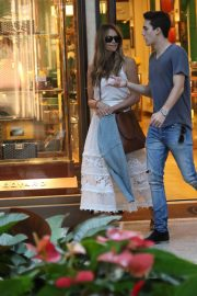 Elle Macpherson Out Shopping in Bal Harbour 2018/12/24 5