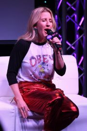 Ellie Goulding at Radio Station Hits 97.3 in Hollywood 2018/12/05 1