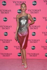 Elsa Hosk at Victoria's Secret Viewing Party in New York 2018/12/02 3