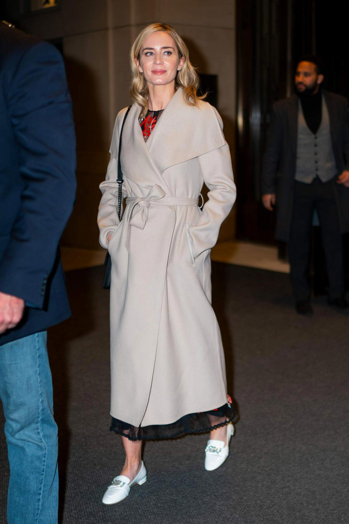 Emily Blunt Leaves Her Hotel in New York 2018/12/01 1
