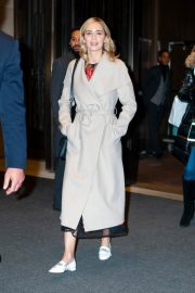 Emily Blunt Leaves Her Hotel in New York 2018/12/01 4