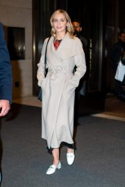 Emily Blunt Leaves Her Hotel in New York 2018/12/01 6