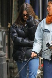 Emily Ratajkowski Out and About in New York 2018/12/10 7