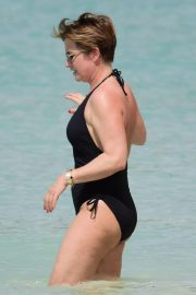 Emma Forbes in Swimsuit on the Beach in Barbados 2018/12/27 3