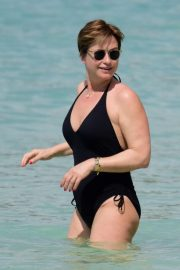 Emma Forbes in Swimsuit on the Beach in Barbados 2018/12/27 4