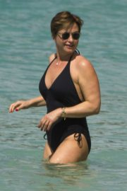 Emma Forbes in Swimsuit on the Beach in Barbados 2018/12/27 7