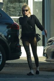 Emma Roberts Out and About in Los Angeles 2018/12/03 6