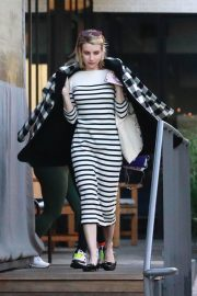 Emma Roberts Out for Dinner in Los Angeles 2018/12/30 10