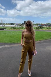Eugenie Bouchard at Boxing Day Races in Auckland 2018/12/26 6