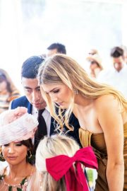 Eugenie Bouchard at Boxing Day Races in Auckland 2018/12/26 9