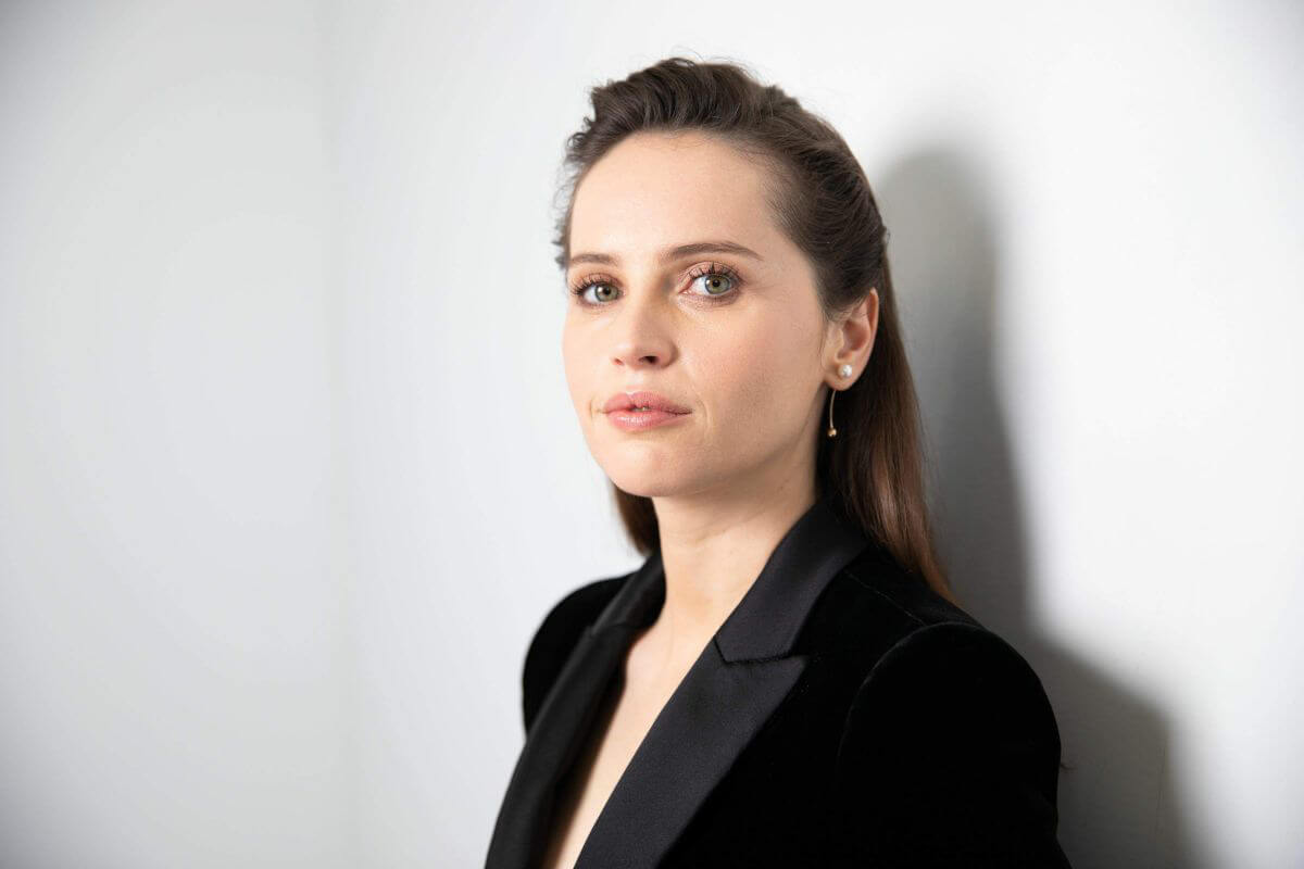 Felicity Jones for New York Times, Timestalks Magazine 2018/12/15 1