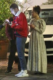 FKA twigs and Shia Labeouf Out for Dinner 2018/12/24 5