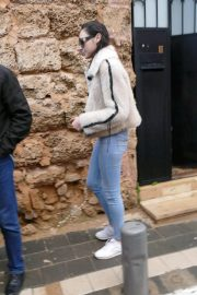 Gal Gadot Leaves Her Home in Tel Aviv 2018/12/30 3