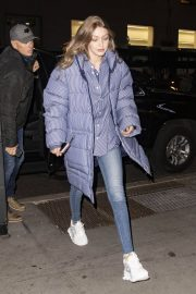 Gigi Hadid Arrives at Her Apartment in New York 2018/12/10 3