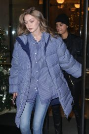 Gigi Hadid Arrives at Her Apartment in New York 2018/12/10 8