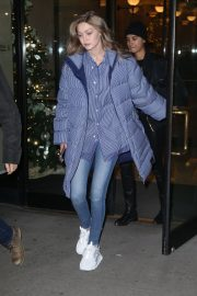Gigi Hadid Arrives at Her Apartment in New York 2018/12/10 9
