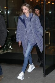 Gigi Hadid Arrives at Her Apartment in New York 2018/12/10 10