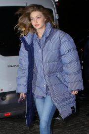 Gigi Hadid Arrives at Her Apartment in New York 2018/12/10 12