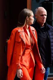 Gigi Hadid Out and About in New York 2018/12/11 1